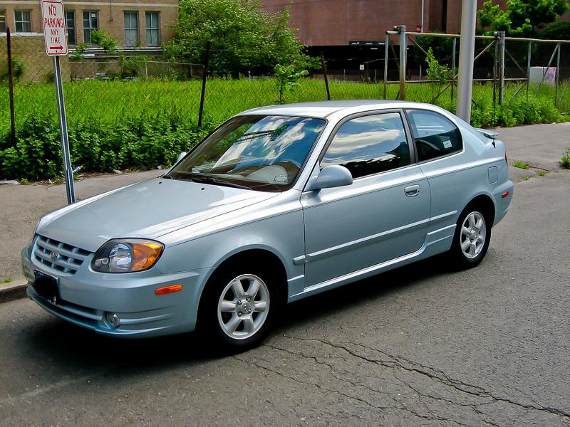 2004 Hyundai Accent FMV