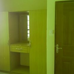 2 BEDROOMS TO LET