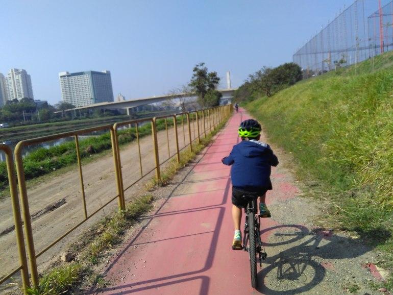 Será que chegará o dia onde meu filho poderá ir para a escola de bicicleta, sem que eu tema por sua vida?