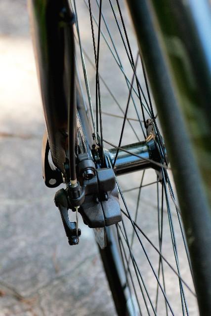 自転車のリムはなぜ歪む!?振れとり方法をご紹介