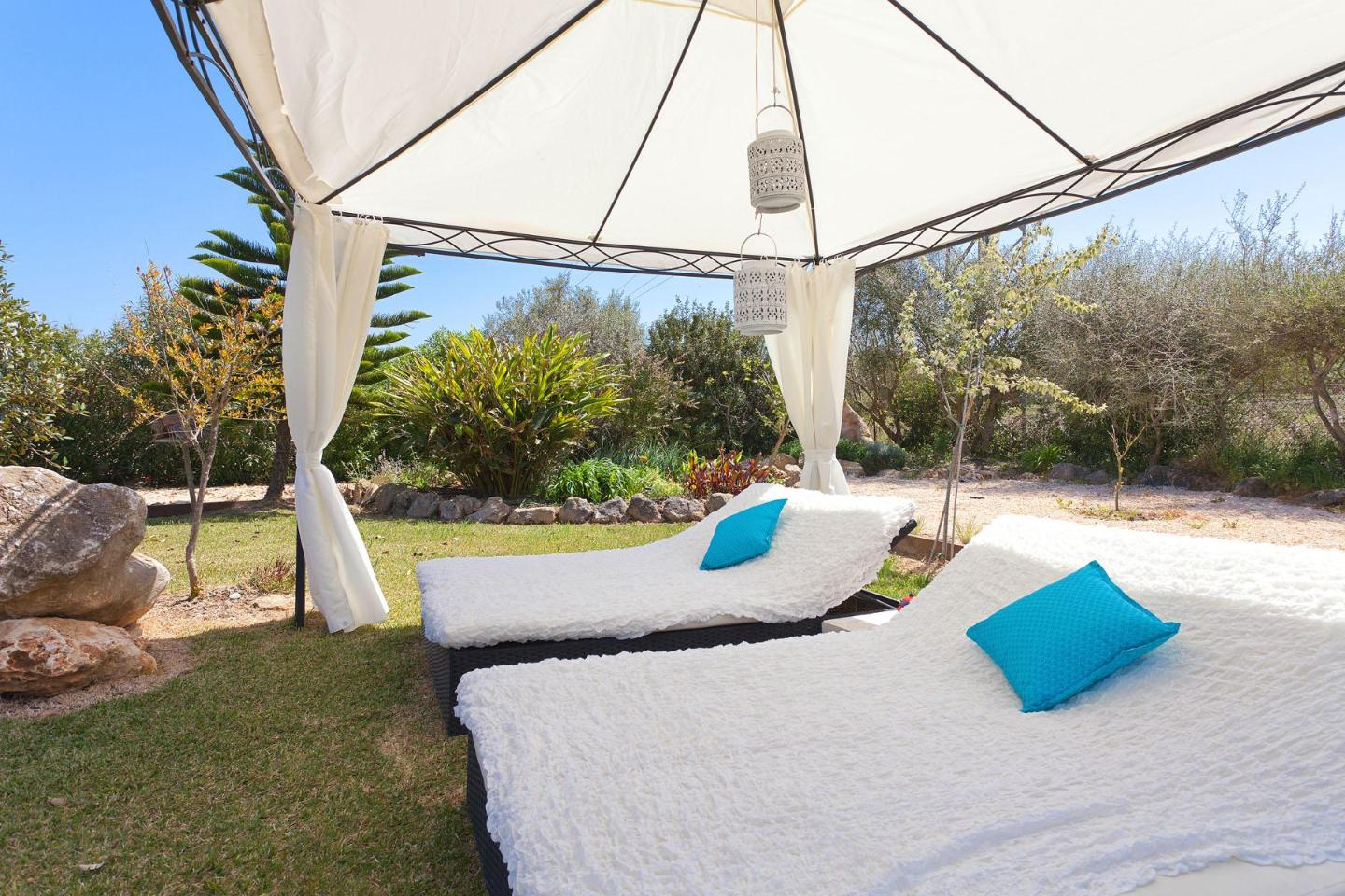 Loungeliegen Finca Petit Bijouc In Can Picafort Mallorca North For 7 Persons