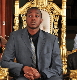king oyo rejected by galfriend s parents. Black Bedroom Furniture Sets. Home Design Ideas