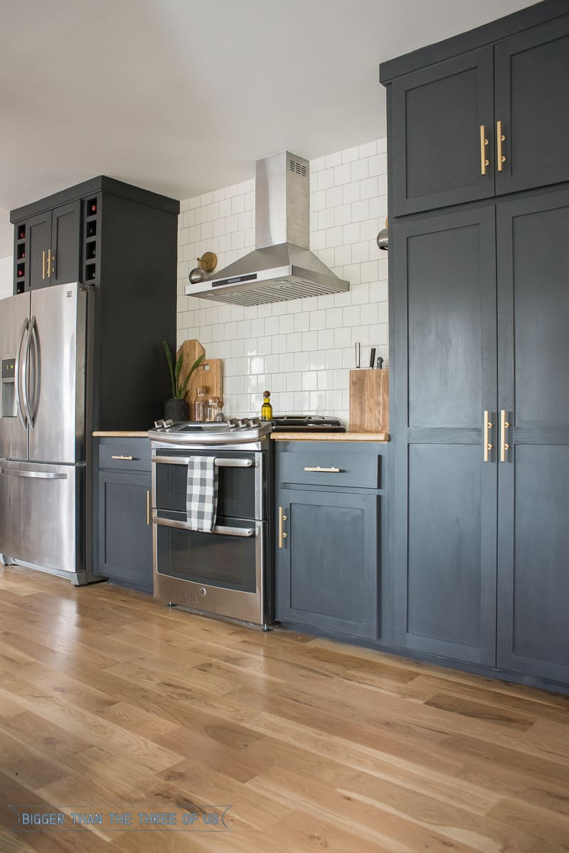 This DIY kitchen is jam packed with ideas DIY Open shelves tiling and more Click over to see the rest 1 31