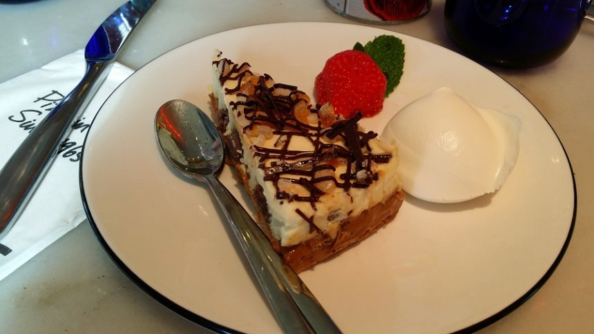 honeycomb cream cheesecake pizza express