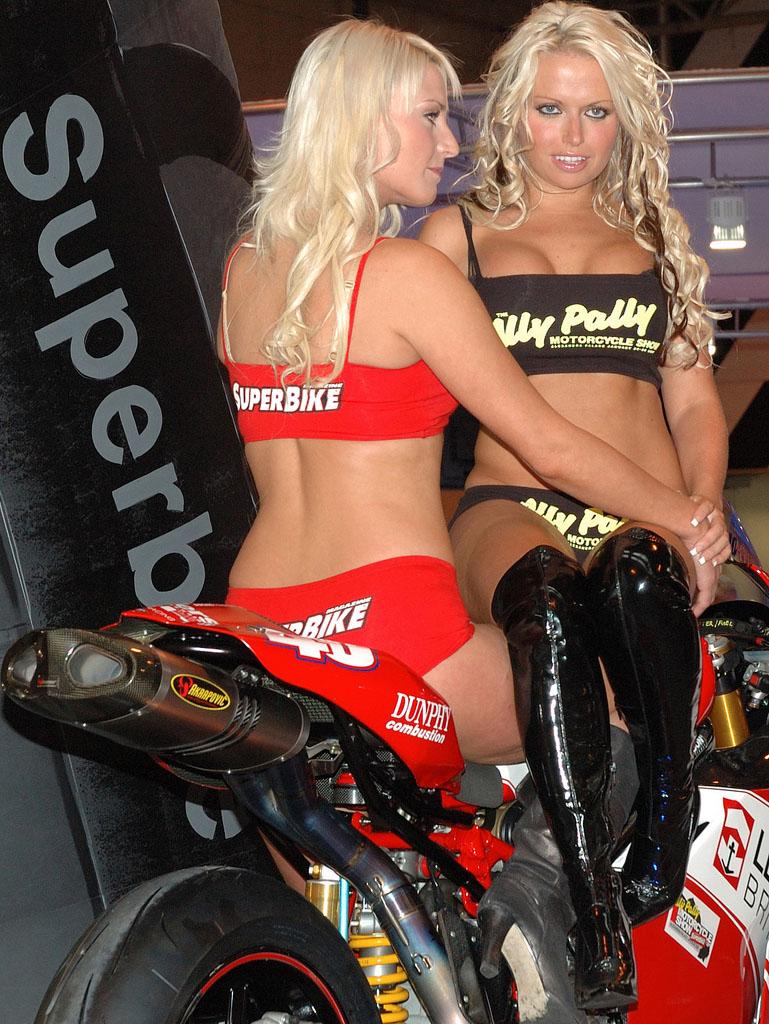 Street Bike Girl Wallpapers Ducati Biker S Hell