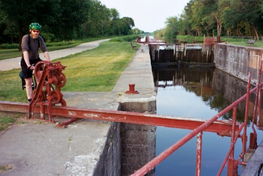 Des Moines - Nw_Hennepin_Lock