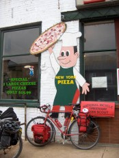 2006 DC-Pittsburgh - Pizza_Delivery_by_bike