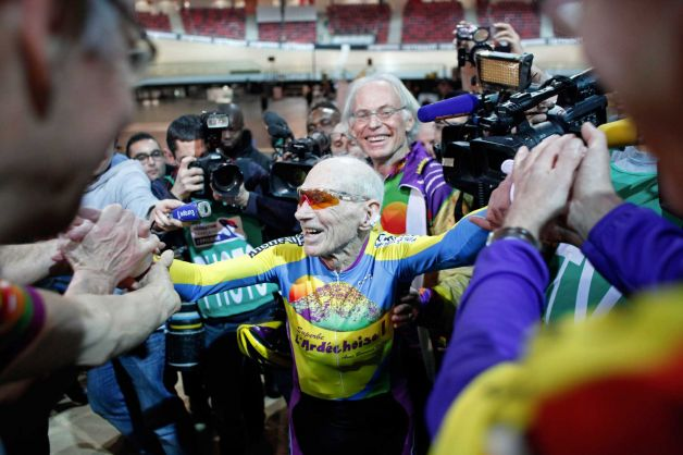 102 Year Old Man Rides  26.927 kilometers (16.7 miles) in One Hour