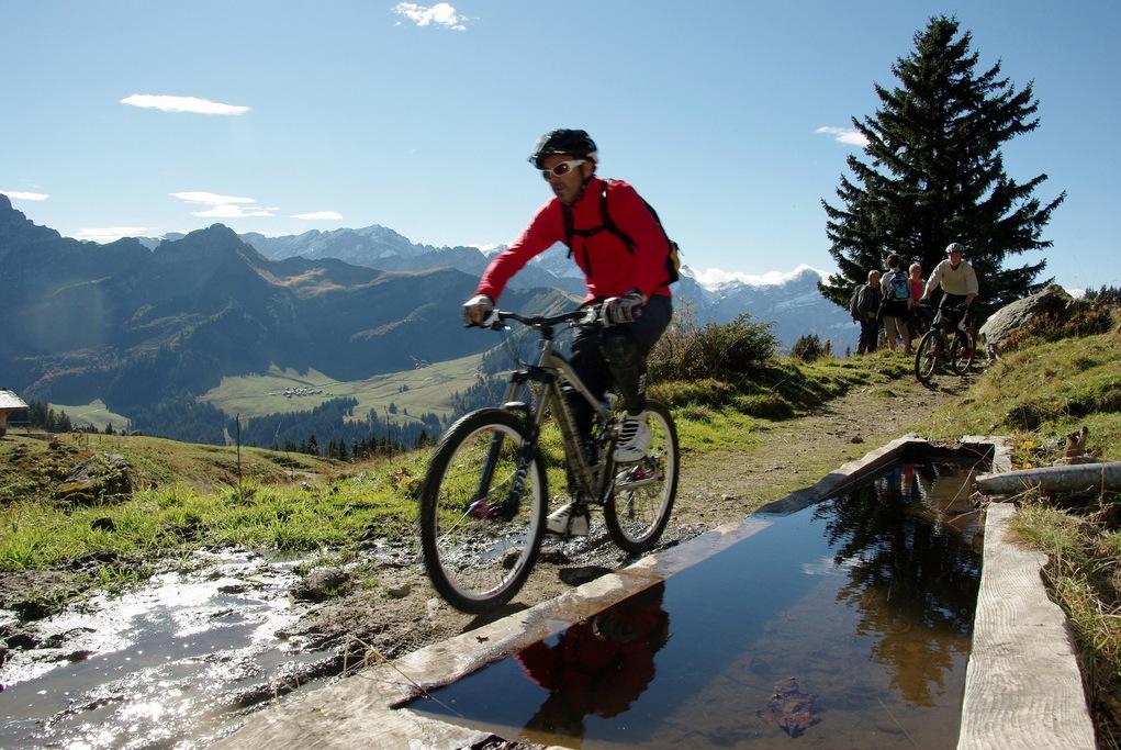 """Le """"bike test"""" de Gryon, chaque année l'occasion d'essayer plusieurs vélos avant de se décider."""