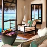 Schodki prosto do rafy koralowej, czyli bungalowy na wodzie w Malediwach