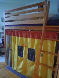 Ikea Holz Hochbett 140x200 hhenverstellbar + Matratze