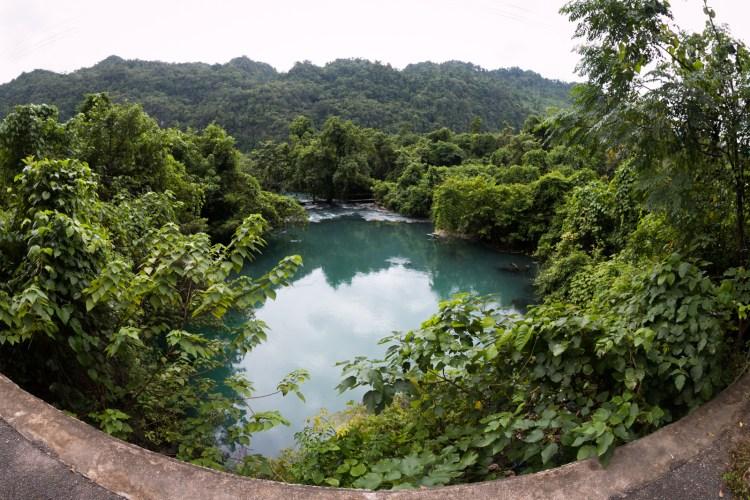 Hier entspringt ein Fluss aus dem Nichts