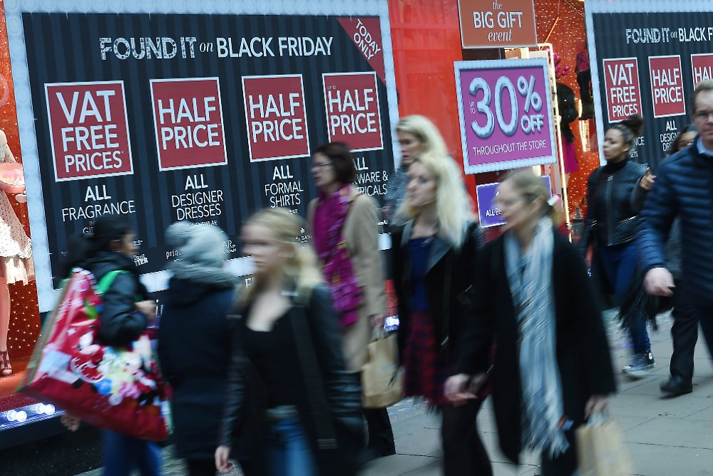 Black Friday Geschäfte Power-shopping In Den Usa: Black Friday - Der Zoll Ist Das