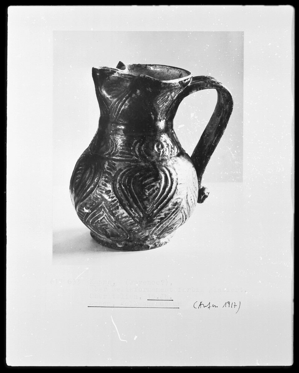Pitchers Jugs Pitchers And Jugs In The Middle Ages And Renaissance