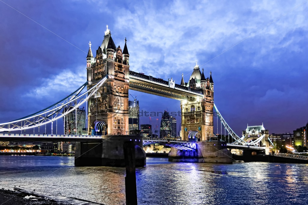Druck Leinwand Tower Bridge Bei Nacht, London - Bildtankstelle.de