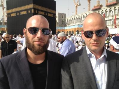 Former Anti-Islam Film-Maker, Arnoud Van Doorn, Peforms Hajj After Becoming Muslim | Daughters ...
