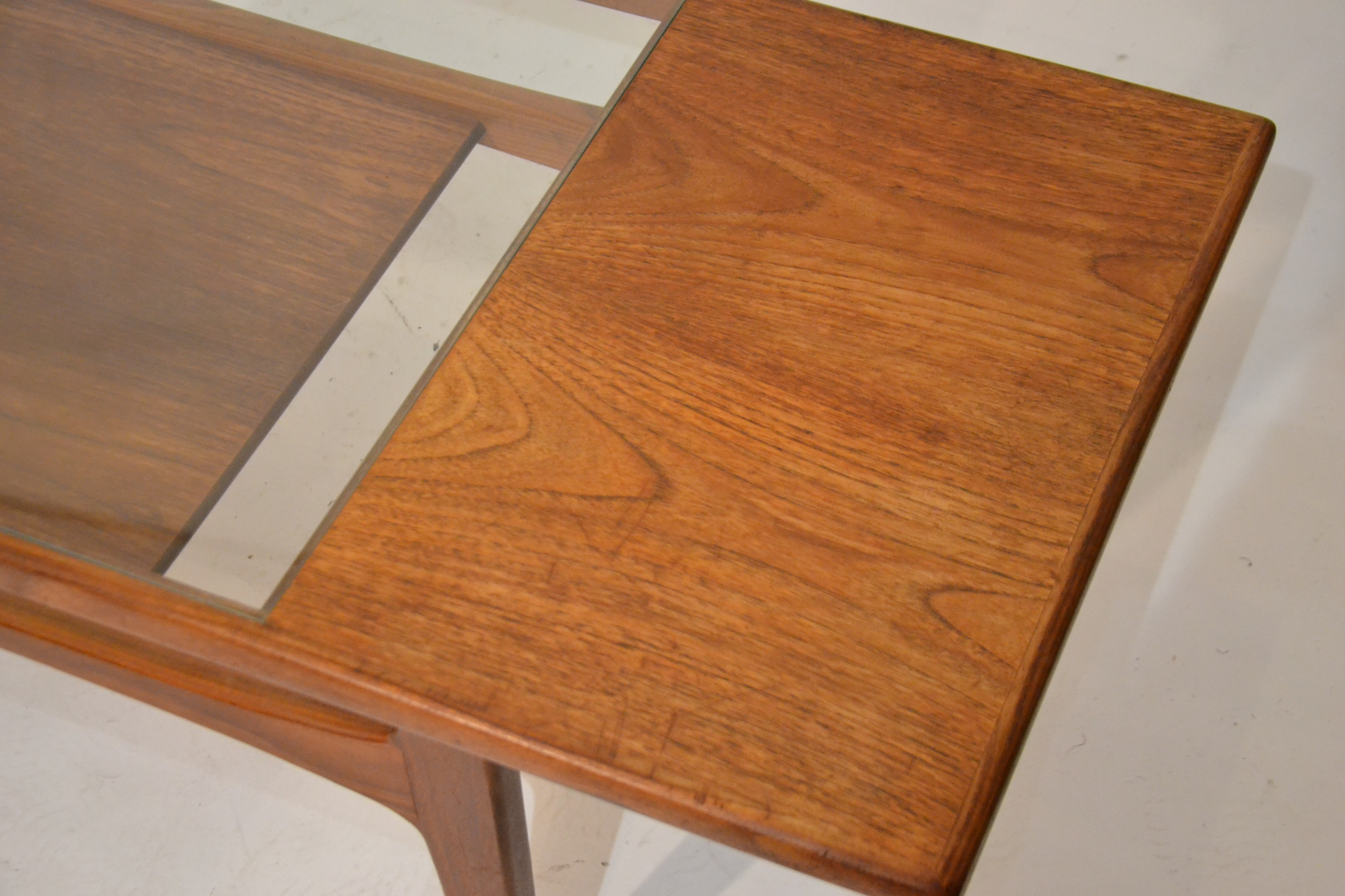 Table Basse Scandinave Verre Table Basse Scandinave Verre Et Teck Bindiesbindies