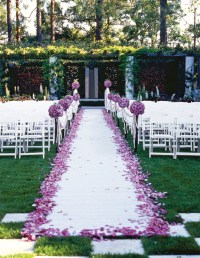 Outdoor wedding aisle decorations - Weddingbee