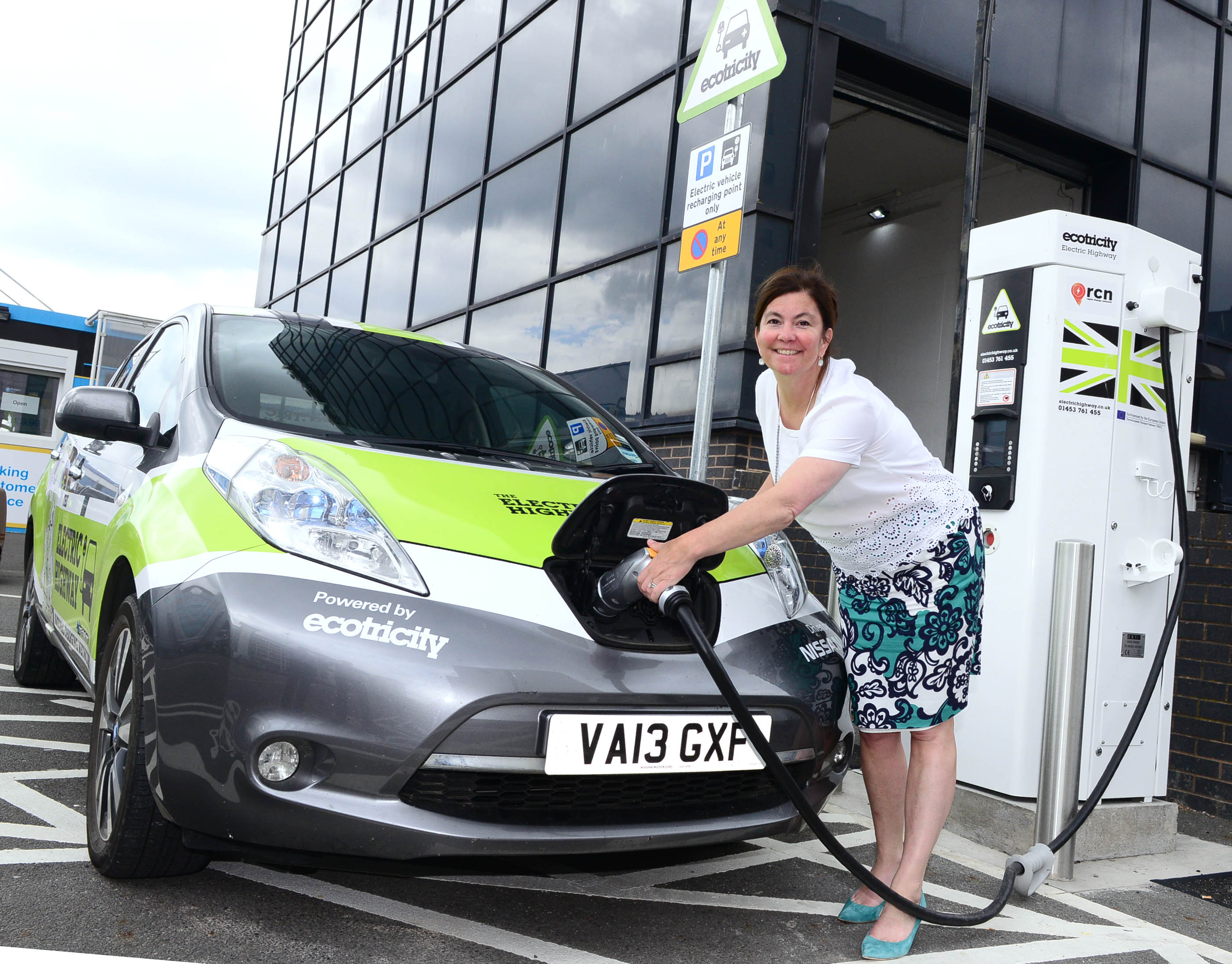 Electric Cars Information Electric Cars Charge Into Birmingham Airport Birmingham