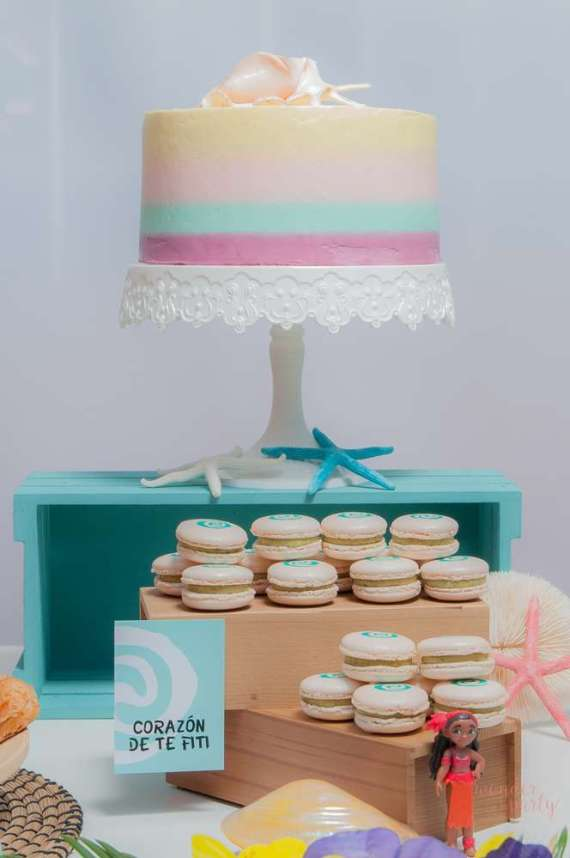 Moana-Tropical-Birthday-Party-Cake-Shell