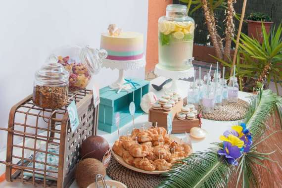 Moana-Tropical-Birthday-Party-Coconuts