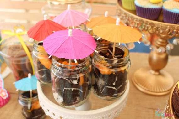 Tropical-Summer-Beach-Party-Umbrella-Treats