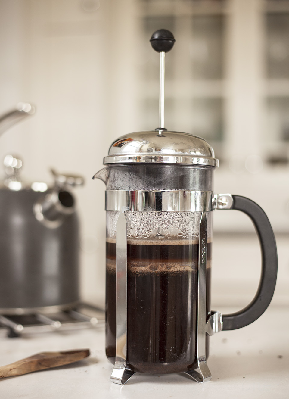 how to make coffee in a french press bite. Black Bedroom Furniture Sets. Home Design Ideas