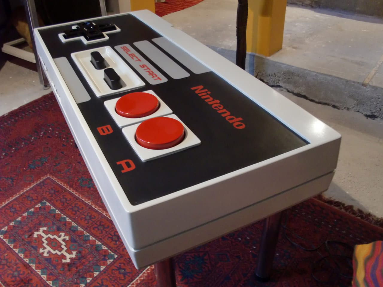 Nintendo Tisch Bauen A Giant Functional Nintendo Nes Controller Coffee Table