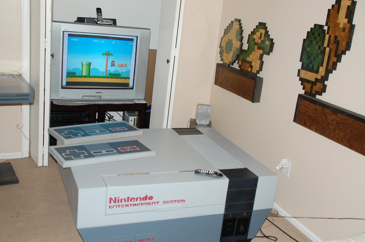 Geek Room Decor Retro Geek Paradise Your Own Nes Living Room Design