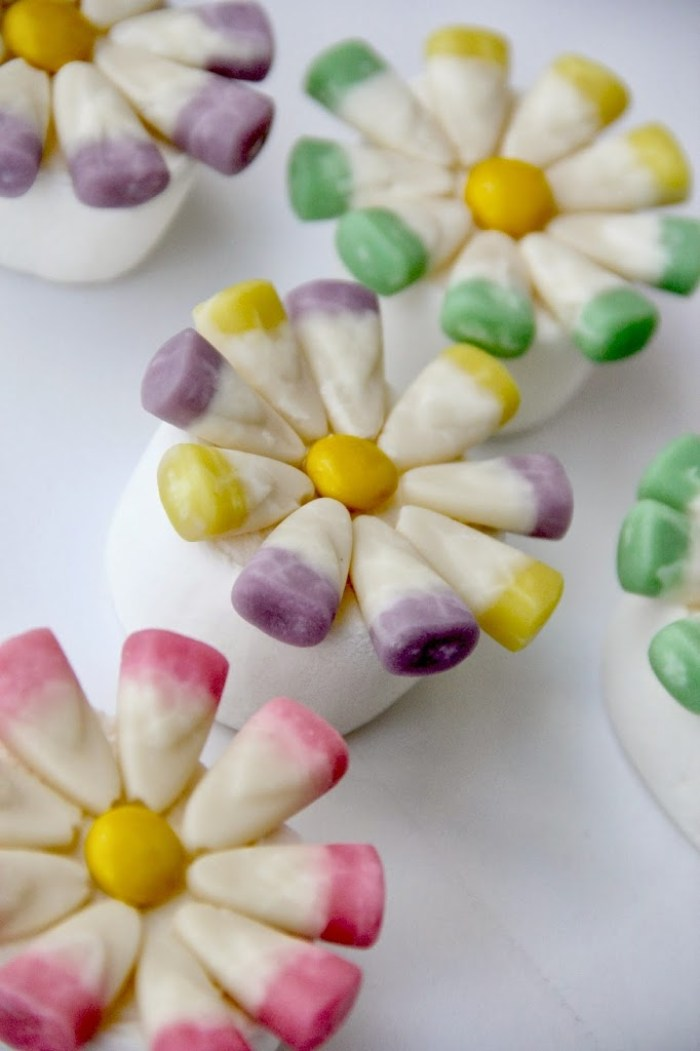 Sweet Blooms - A simple and fun treat for spring or Easter that turns marshmallows into beautiful flowers!
