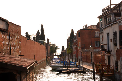 side-canal-on-guidecca.jpg