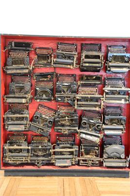 underwood-typewriters-pesaro.jpg