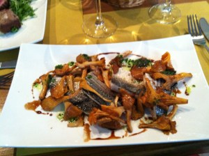 Grey mullet with chanterelles