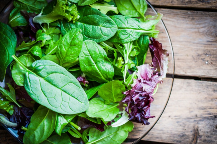 green salad with spinach, aragula, romaine lettuce