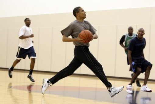 1obama-playing-basketball