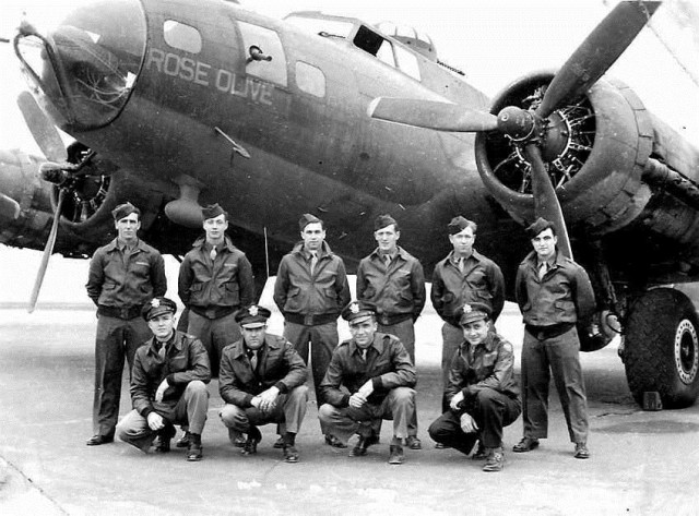 457th_Bombardment_Group_-_B-17_Flying_Fortress_-_Crew.Rose_Olive