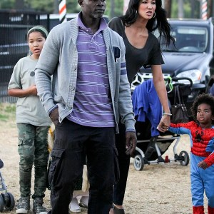 kimora-lee-simmons-and-family-at-the-pumpkin-patch-9