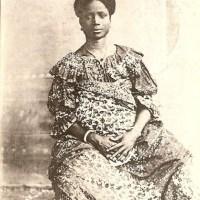 Vintage Photos Show Coastal African Natural Hair Styles in the Early 1900s