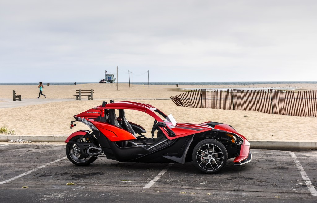 2018 Polaris Slingshot SL with Slingshade and Rear Spoiler