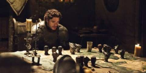 Robb Stark (Richard Madden) learns that Winterfell has been overrun by Theon Greyjoy, a man he once called his brother.