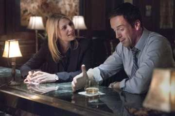 Carrie (Claire Danes) and Brody (Damian Lewis) reignite their chemistry.