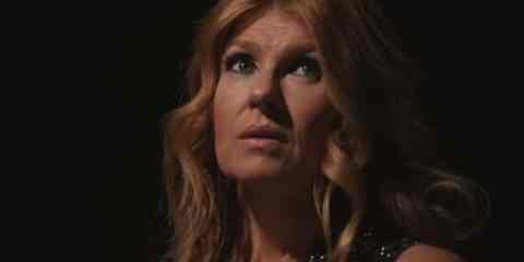 Rayna (Connie Britton) misses her cue, and then misses it again.