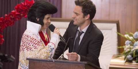 Jess (Zooey Deschanel) makes a mourning Nick (Jake Johnson) smile.