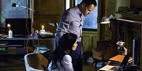 Sherlock (Jonny Lee Miller) and Joan (Lucy Liu) fight the internet.