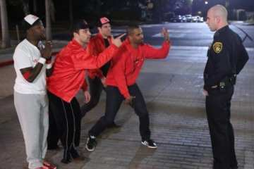Coach (Damon Wayans Jr.) is back and causing trouble on this weeks New Girl.