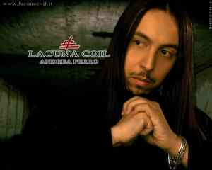 Lacuna Coil's male vocalist Andrea Ferro. Media credit to Marcelo Vivalo.