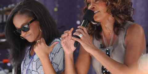Flickr_Whitney_Houston_performing_on_GMA_2009_5