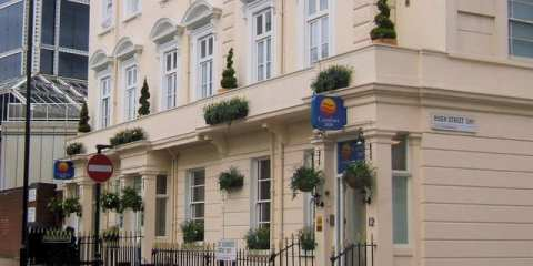 Comfort_Inn,_St_Georges_Drive_junction_of_Hugh_Street,_Victoria,_London_SW1_-_geograph.org.uk_-_740594