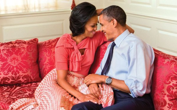 barack-obama-michelle-obama-close-ftr