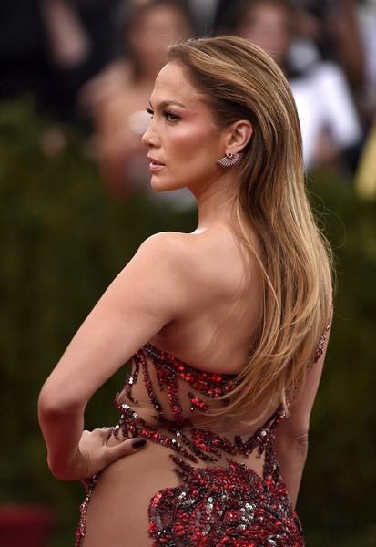 Jennifer+Lopez+Met+Gala+2015+Arrivals+pXBf9pSAhNml